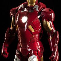 3-Foot-Tall Iron Man Mark VII Legendary Scale Figure Detail