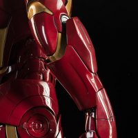 3-Foot-Tall Iron Man Mark VII Legendary Scale Figure Glove Details