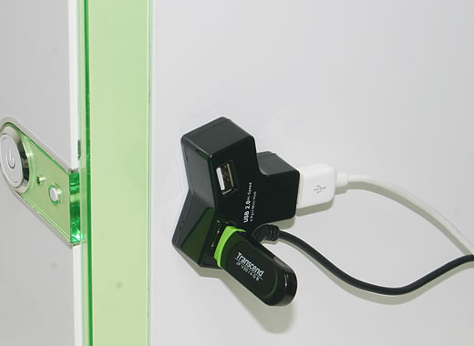 Magnetic 4-Port USB Hub