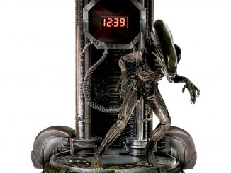 Alien Clock With Sculptural Xenomorph Figure