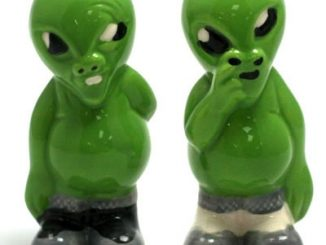 Alien Pickers - Salt & Pepper Shakers