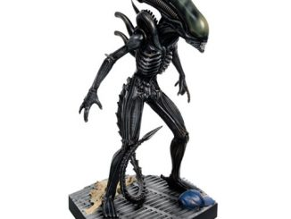 Alien and Predator Special Mega Alien Xenomorph Figure with Collector Magazine #1
