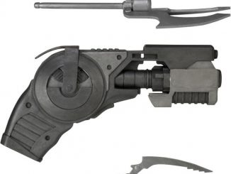 Arkham Origins: Prop Replica: Grapnel Gun and Accessories