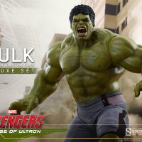Avengers Age of Ultron Hulk Deluxe Sixth-Scale Figure