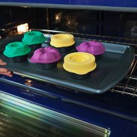 Bakeshapes Muffin Tin and Toppers