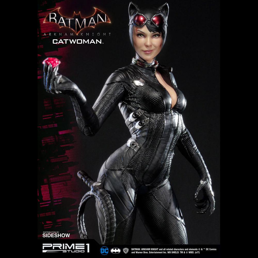 Batman Arkham Knight Catwoman Statue