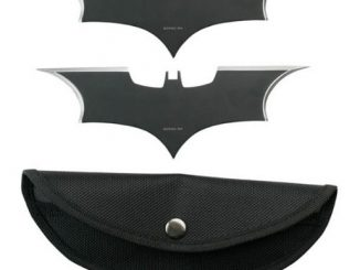 Batman Batarang Knife Thrower Set