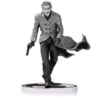 Batman Black-and-White Lee Bermejo Joker Second Edition Statue