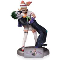Batman DC Comics Bombshells Joker and Harley Quinn Statue