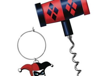 Batman Harley Quinn Mallet Corkscrew with Wine Charm Set