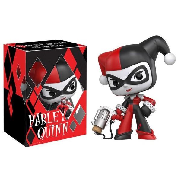 batman-harley-quinn-super-deluxe-vinyl-figure