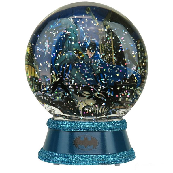 batman-lighted-snow-globe