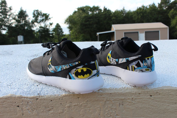 ddba70e1a2fc Batman Nike Roshe Shoes