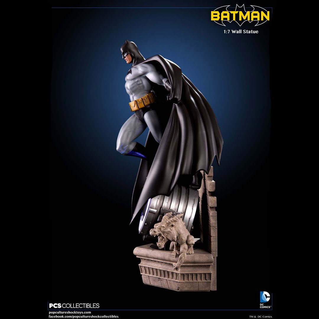 Batman Wall Statue