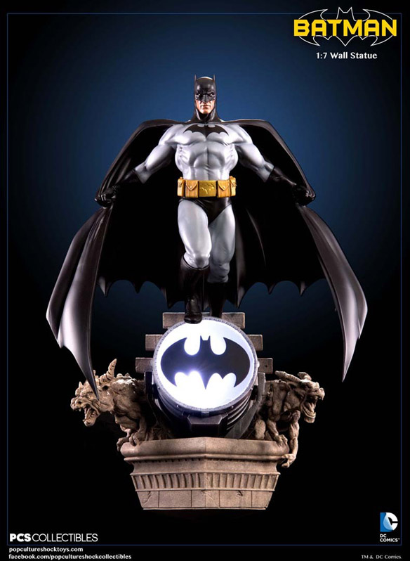 Batman Wall Statue