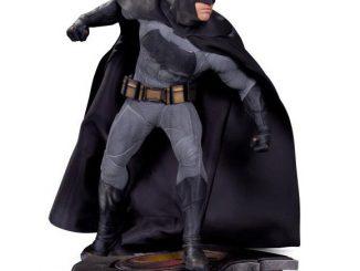 Batman v Superman Dawn of Justice Batman Sixth Scale Statue