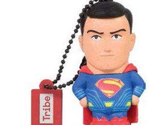 Batman v Superman Dawn of Justice Superman 16 GB USB Flash Drive