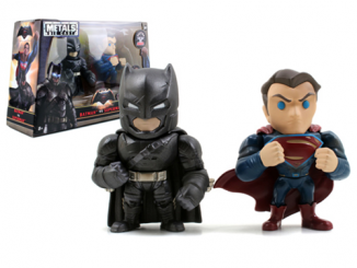 Batman v Superman Dawn of Justice Superman and Batman with Armor 4-Inch Die-Cast Figure 2-Pack