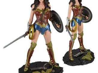 Batman v Superman Dawn of Justice Wonder Woman Finders Keyper Statue