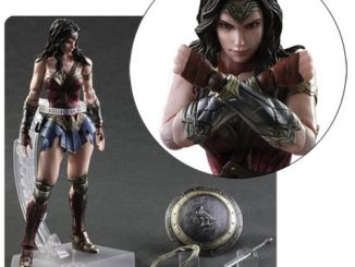 Batman v Superman Dawn of Justice Wonder Woman Play Arts Kai Action Figure