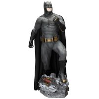 Batman v Superman Life-Size Batman Statue 1