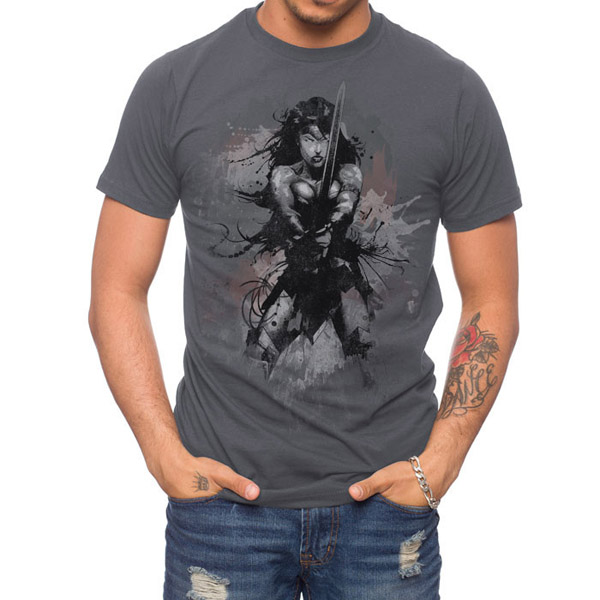 Batman v Superman Wonder Woman Extreme Art T-Shirt