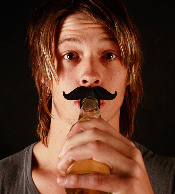 BeerMo-Silicone-Bottle-Mustaches