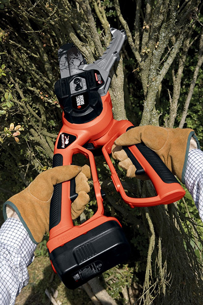 Black & Decker NLP1800 Cordless Chain Saw