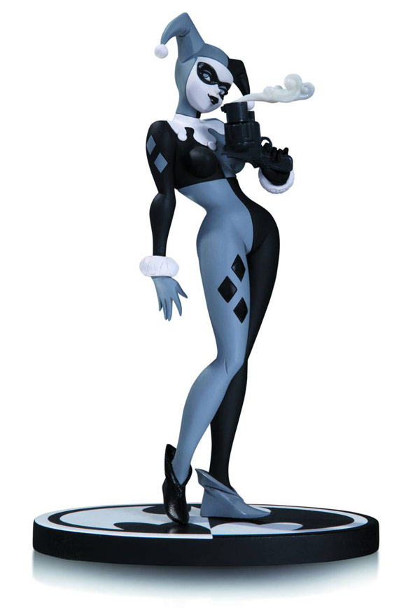 black and white harley quinn 2nd edition statue. Black Bedroom Furniture Sets. Home Design Ideas