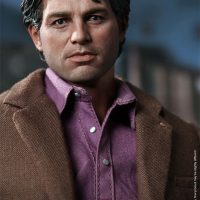 Bruce Banner Sixth Scale Figure Close-Up