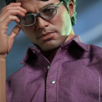 Bruce Banner Sixth Scale Figure with Glasses