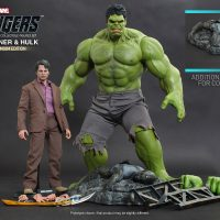 Bruce Banner and Hulk Sixth Scale Figure Set with Accessories