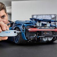 Building LEGO Technic Bugatti Chiron