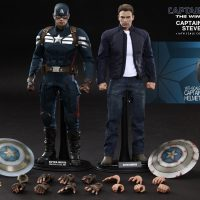 Captain America and Steve Rogers Sixth Scale Figure Set Accessories