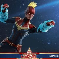 Captain Marvel Deluxe Blue Energy Sixth Scale Figure