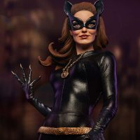 Classic TV Series Catwoman Premium Format Figure 10
