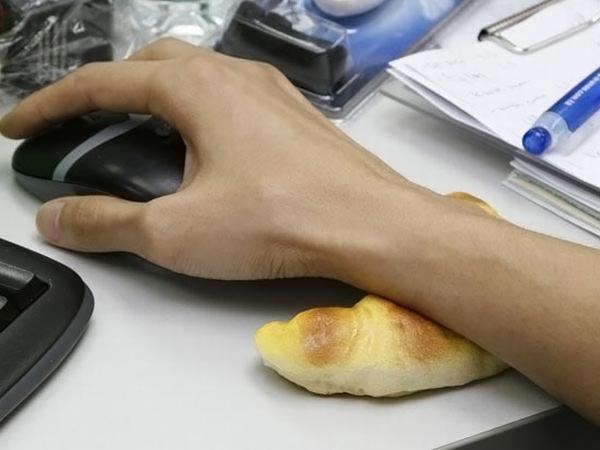 Croissant Wrist Support