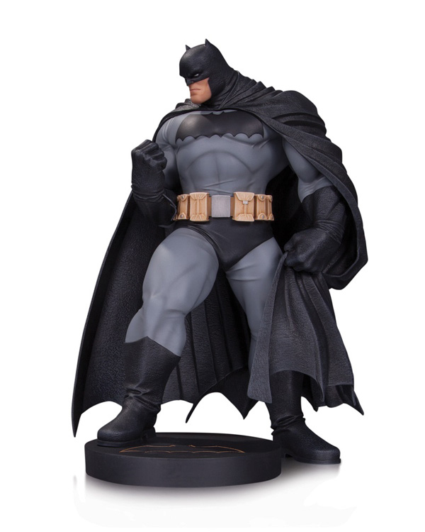DC Comics Designer Series Dark Knight III The Master Race Batman by Andy Kubert Statue