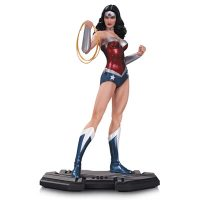 DC Comics Icons Wonder Woman Statue 1