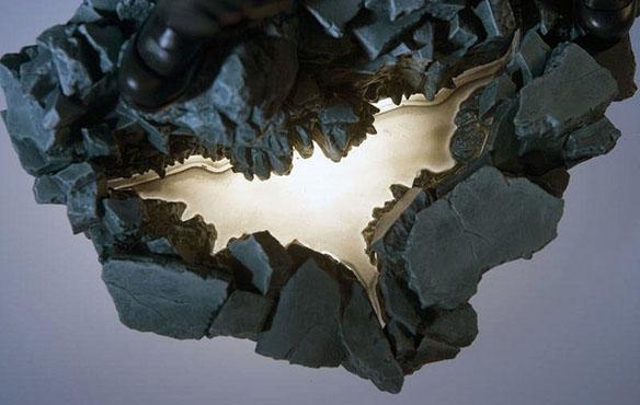 Dark Knight Rises Batman ArtFX Statue light-up bat logo