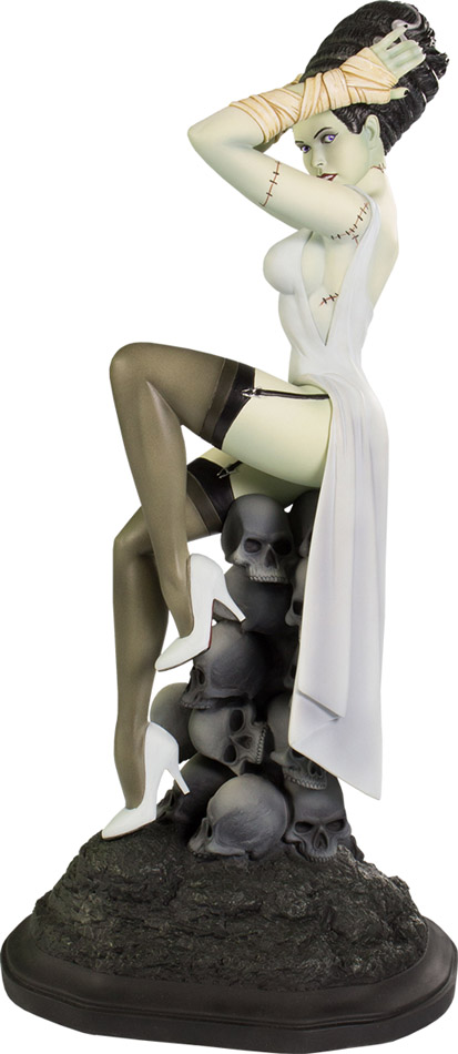 Death Becomes Her Statue