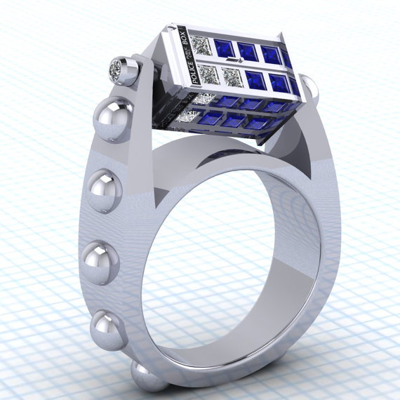 Doctor Who Spin Doctor TARDIS Ring