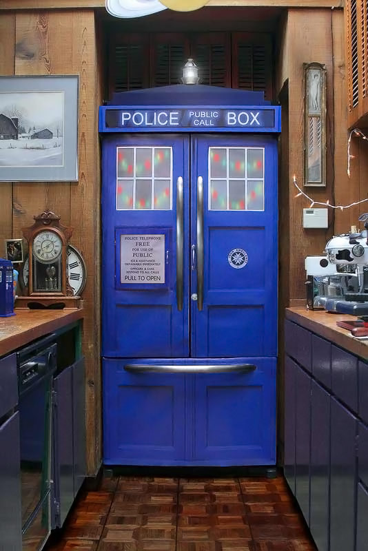 Doctor Who TARDIS | 534 x 800 · 87 kB · jpeg