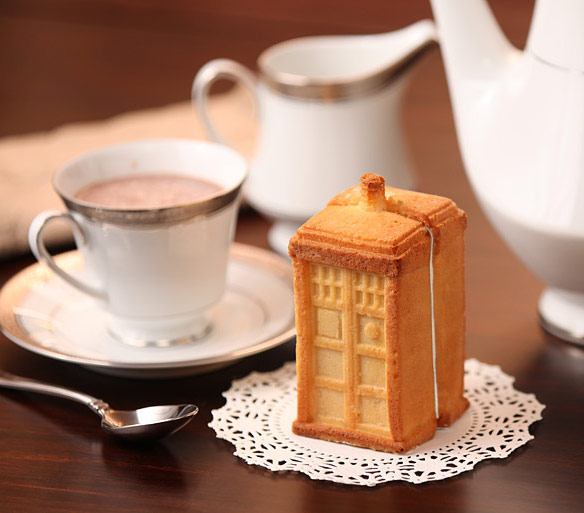 Doctor Who TARDIS Gelatin Mold
