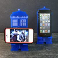 Doctor Who TARDIS iPhone Stand 2