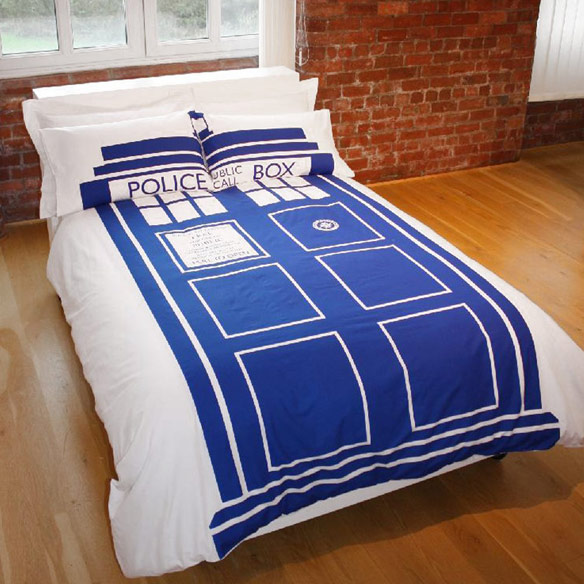 sleep in the comfort of the doctor s time machine with this doctor