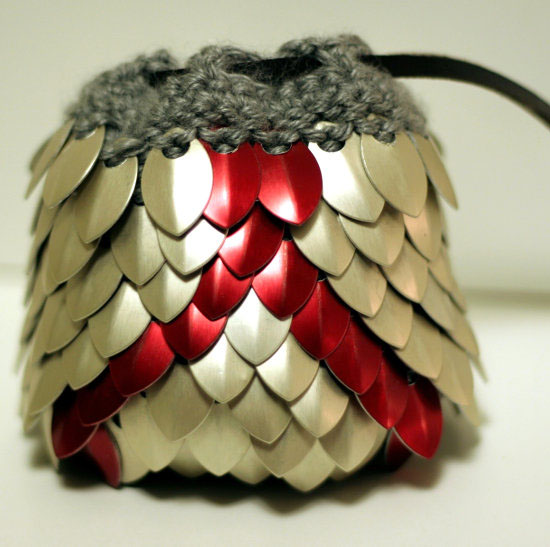 Dungeons and Dragons DnD Vanguard Knitted Dragon Scale Dice Bag