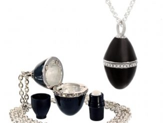 Esme Perfume Pendant