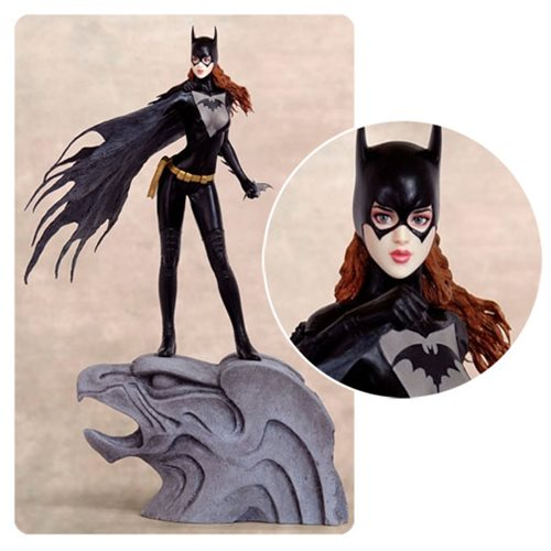 Fantasy Figure Gallery DC Comics Collection Batgirl by Luis Royo 1 6 Scale Resin Statue