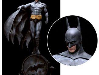 Fantasy Figure Gallery DC Comics Collection Batman by Luis Royo Resin Statue